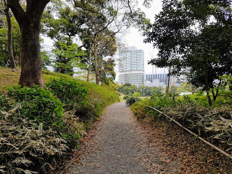 散步於公園內
