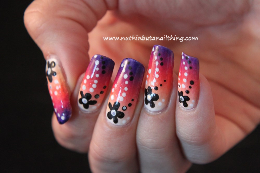Gradient flower nail art