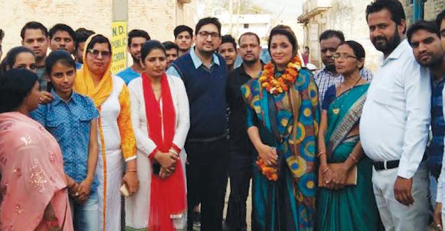 Chunnu Rajput, newly appointed national secretary Khushbu Mangala accompanied by his friend, strongly welcomed