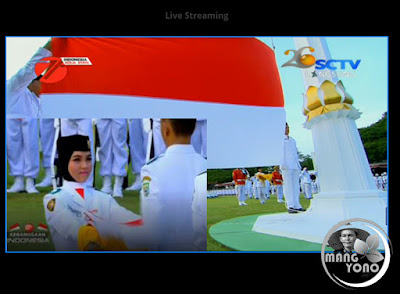 FOTO 1 : Tim Bima Paskibraka Pembawa Baki Sang Merah Putih di Istana Merdeka HUT RI 71 tahun 2016
