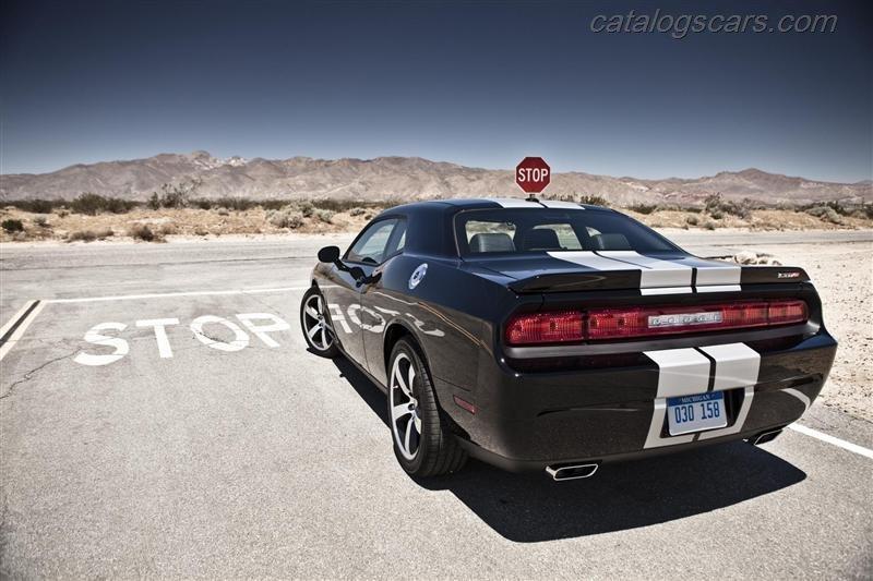 صور سيارة دودج تشالنجر SRT8 392 2014 - اجمل خلفيات صور عربية دودج تشالنجر SRT8 392 2014 - Dodge Challenger SRT8 392 Photos Dodge-Challenger-SRT8-392-2012-13.jpg