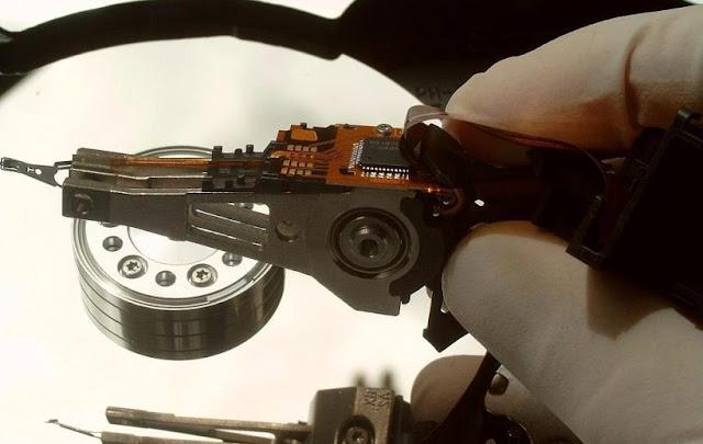 الحل النهائي لإصلاح أعطال الهارد ديسك HardDisk الذي لا يتعرف عليه الحاسوب ويصدر أصوات عالية (أزييزز وتكتكة )