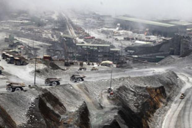 51% Saham Resmi Milik Indonesia, Lihat Foto-foto Mengerikan Jejak Tambang Freeport di Papua