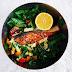 Salát s lososem & kurkumovým dresinkem