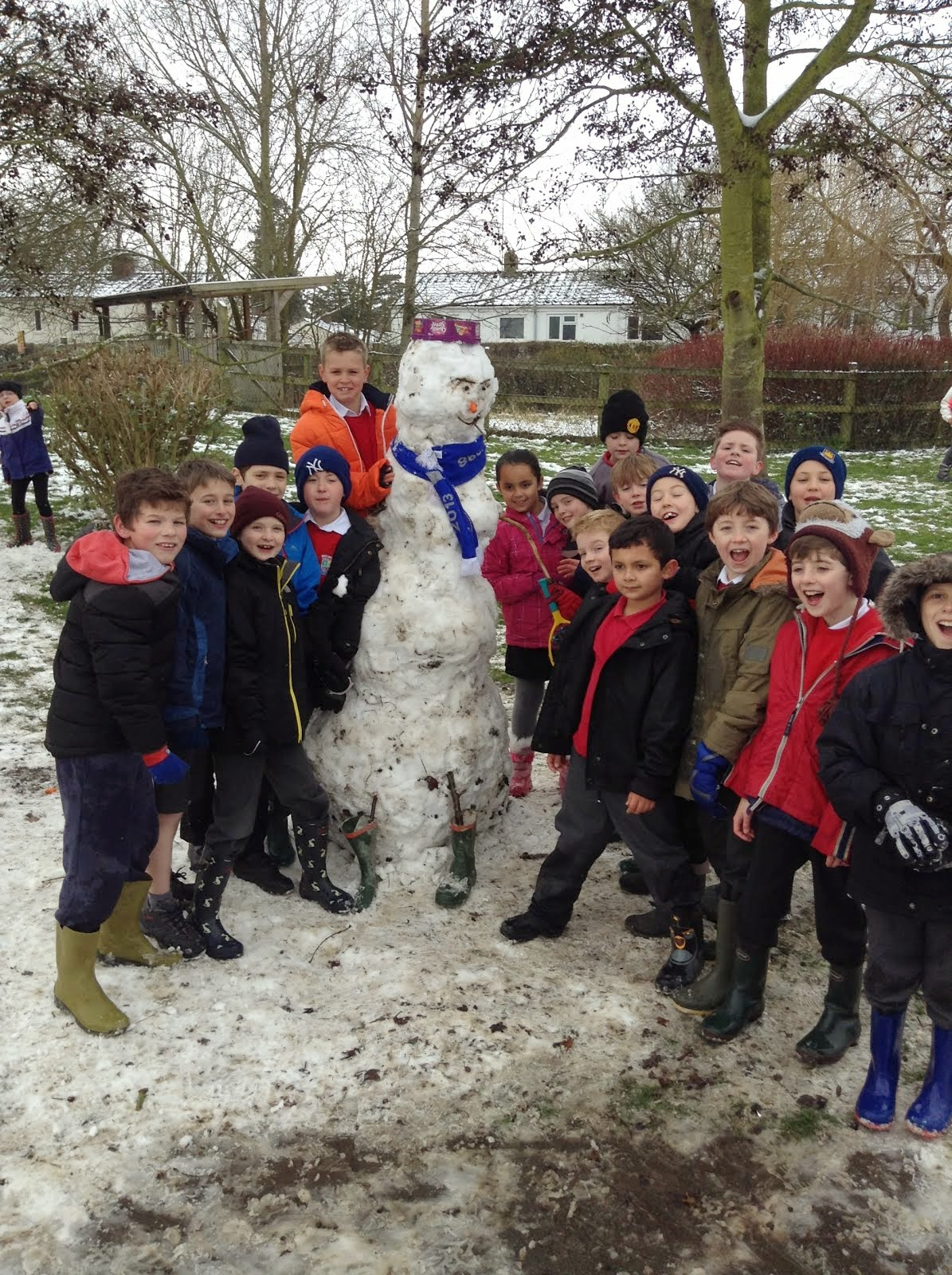 Watlington Primary School: Fun In The Snow