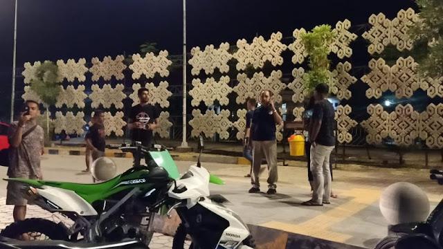 Jefirstson Riwu Kore Bubarkan Kumpulan Warga di Taman Kota Kupang