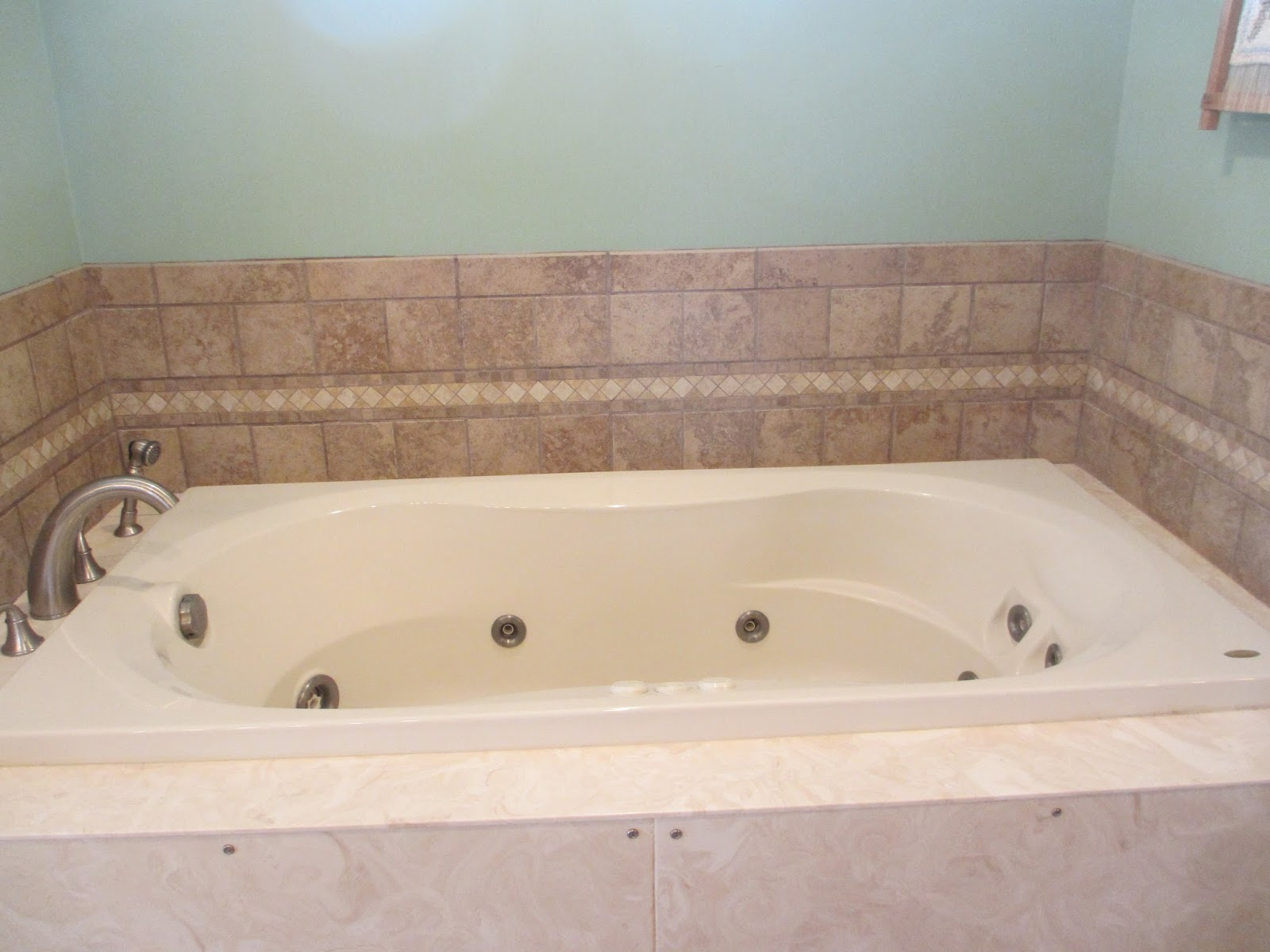 how to clean jacuzzi tub jets with baking soda