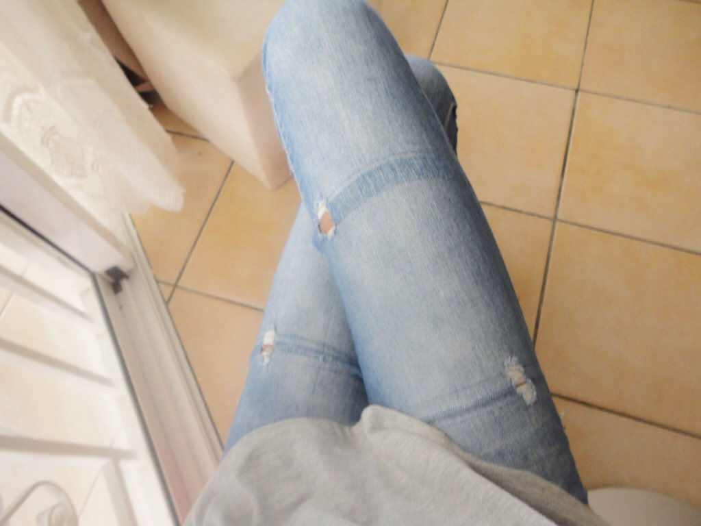 OOTD : Grey shirt & Blue jeans