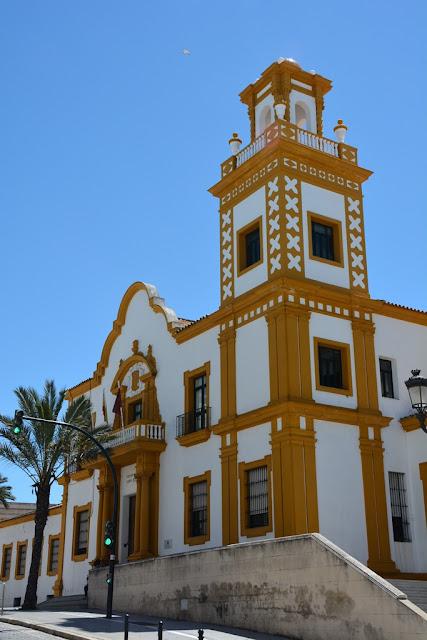 Cadiz facade