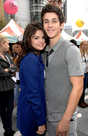 drew seeley and selena gomez relationship with justin