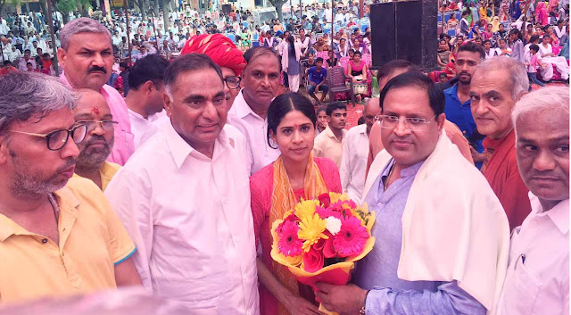 kiran-bhadana-ias-being-welcome-faridabad