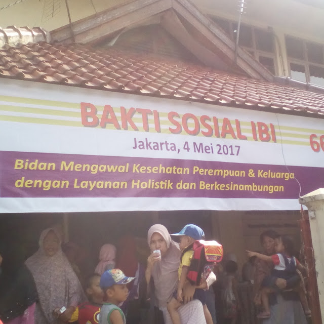 bakti sosial ikatan bidan indonesia
