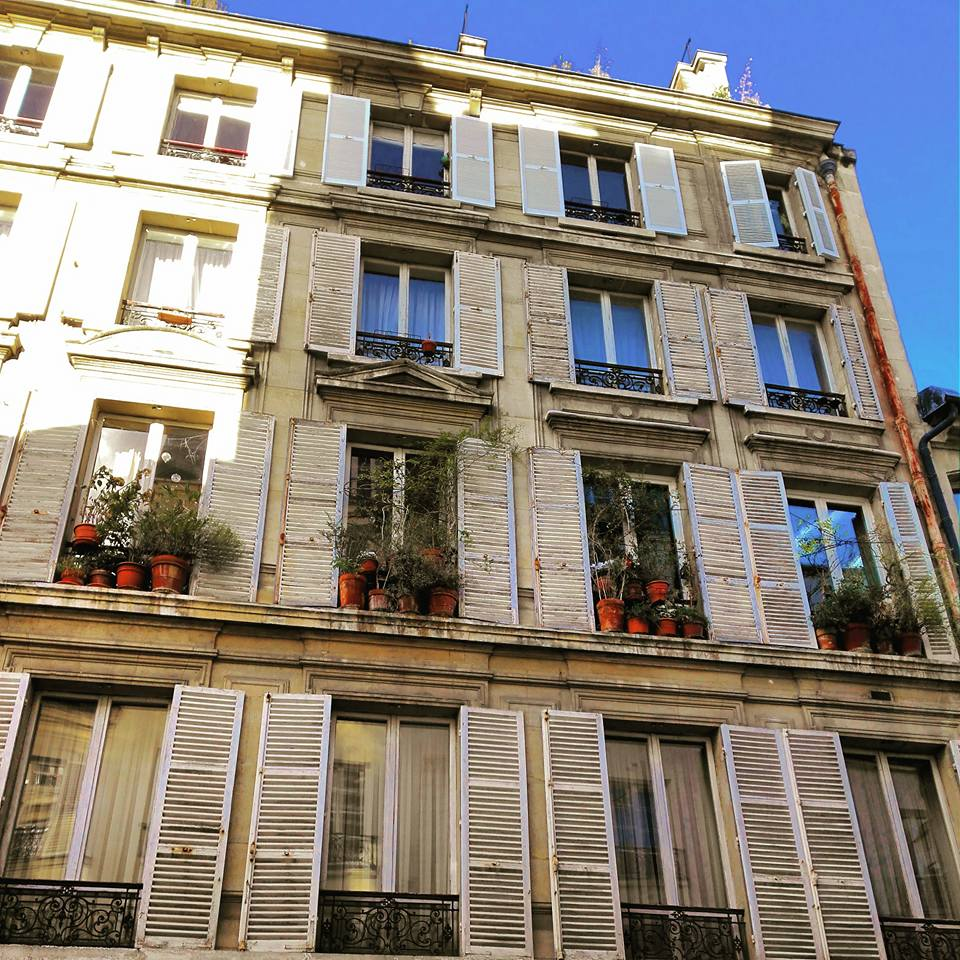 An Old Building in Le Marais Paris I Travelling Hopper