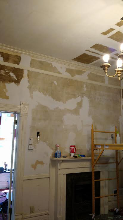 Wild Rose Victorian House: Finishing Ceiling Repair in Living Room