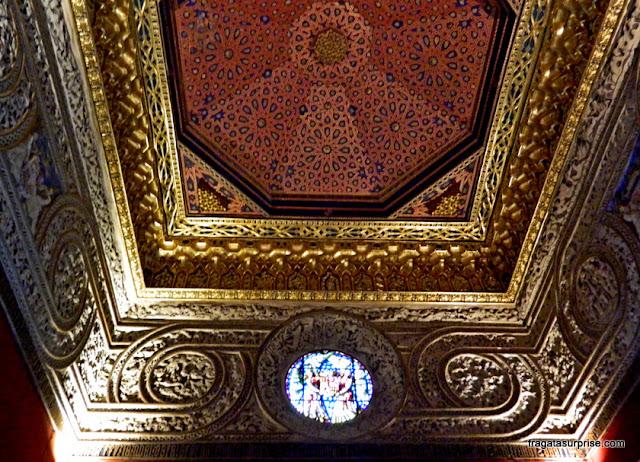 Decoração em estilo mudéjar nos aposentos reais do Alcázar de Segóvia