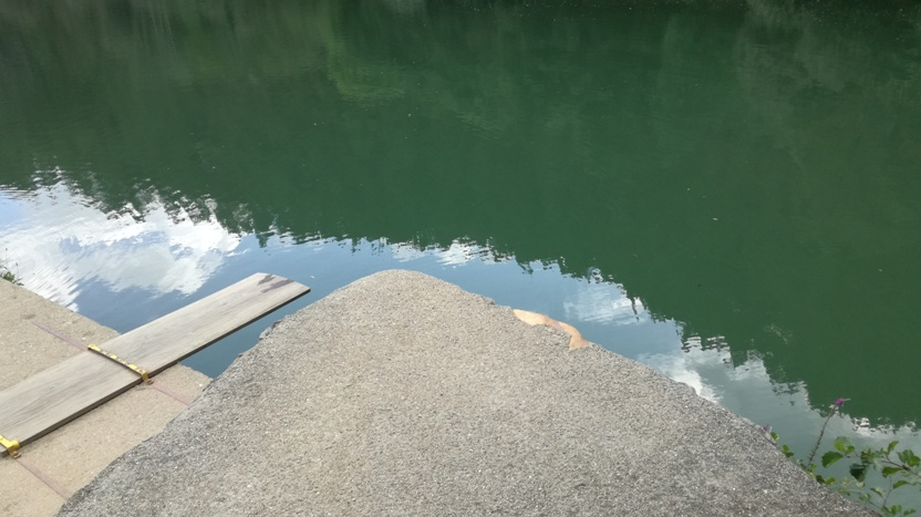 Pontos de saltos para a água