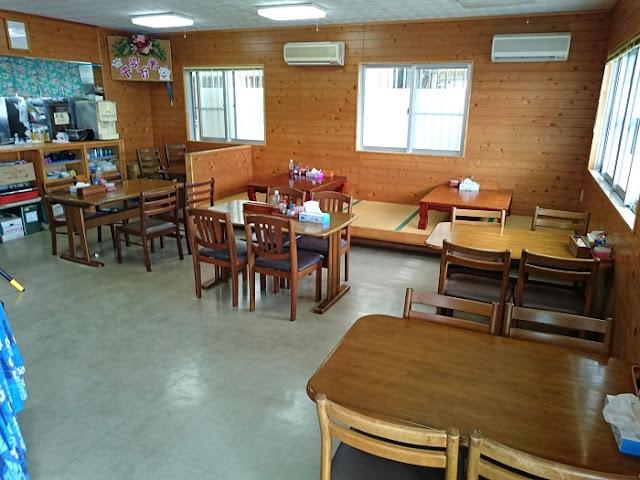 山ちゃん食堂の店内の写真