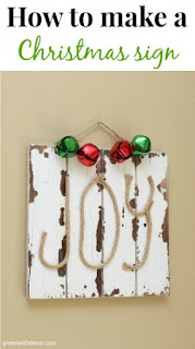 DIY Christmas sign with rope and jingle bells