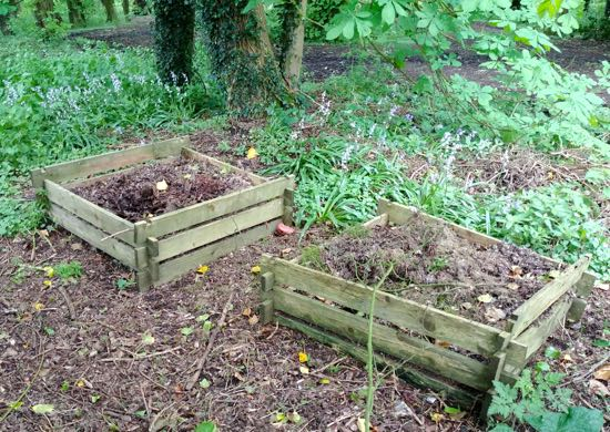 Photograph of A well-cared for compost heap in the woods adjoining Gobions Open Space, May 2018 Image by North Mymms News released under Creative Commons BY-NC-SA 4.0