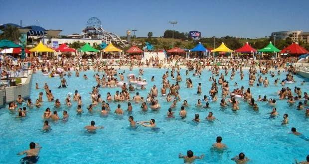 8f49dd6b5390b ... reserva 17 atrações que agradam a todos os públicos. A mais recente  delas, o Mega Water Play, é um complexo tematizado voltado para as crianças.