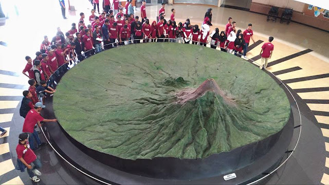 maket 3D penampang Gunung Merapi