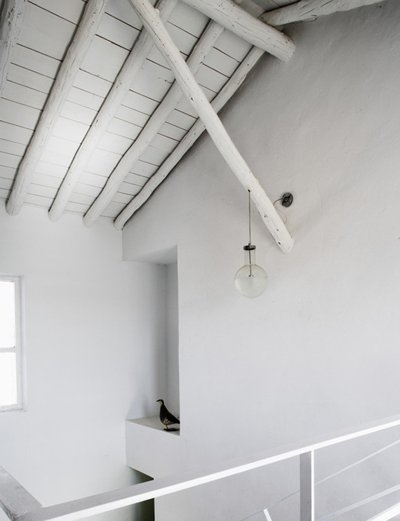 White wooden roof | Elle Deco