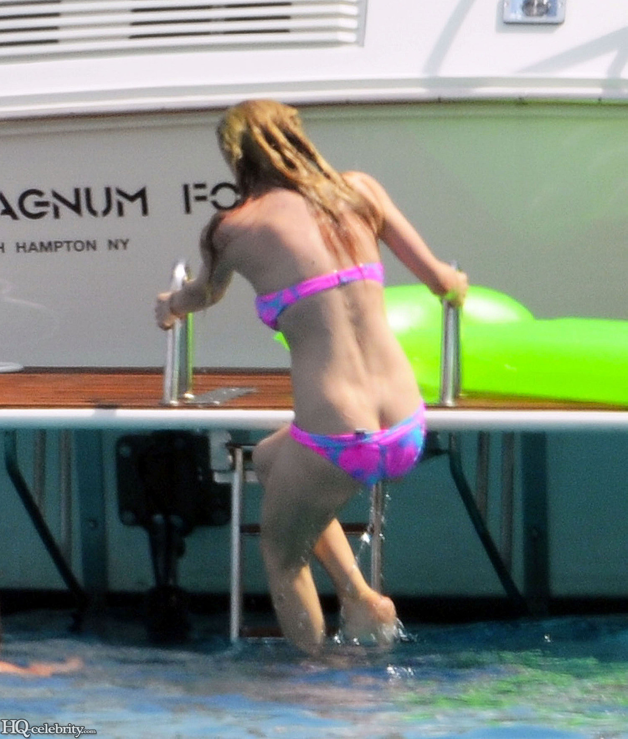 avril lavigne nude ass