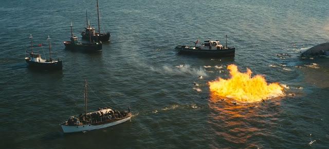 Scène de bombardement dans Dunkerque de Christopher Nolan (2017)