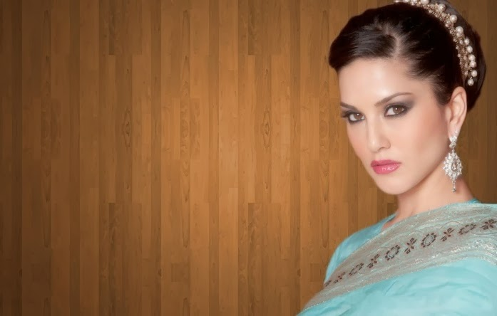 Sunny Leone Beautiful in Saree Wallpaper
