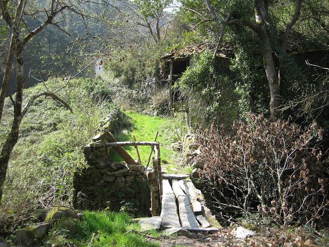 Puente entrada Curriellos