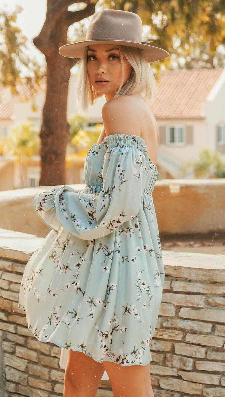 simple outfit idea_beige hat + floral off shoulder dress
