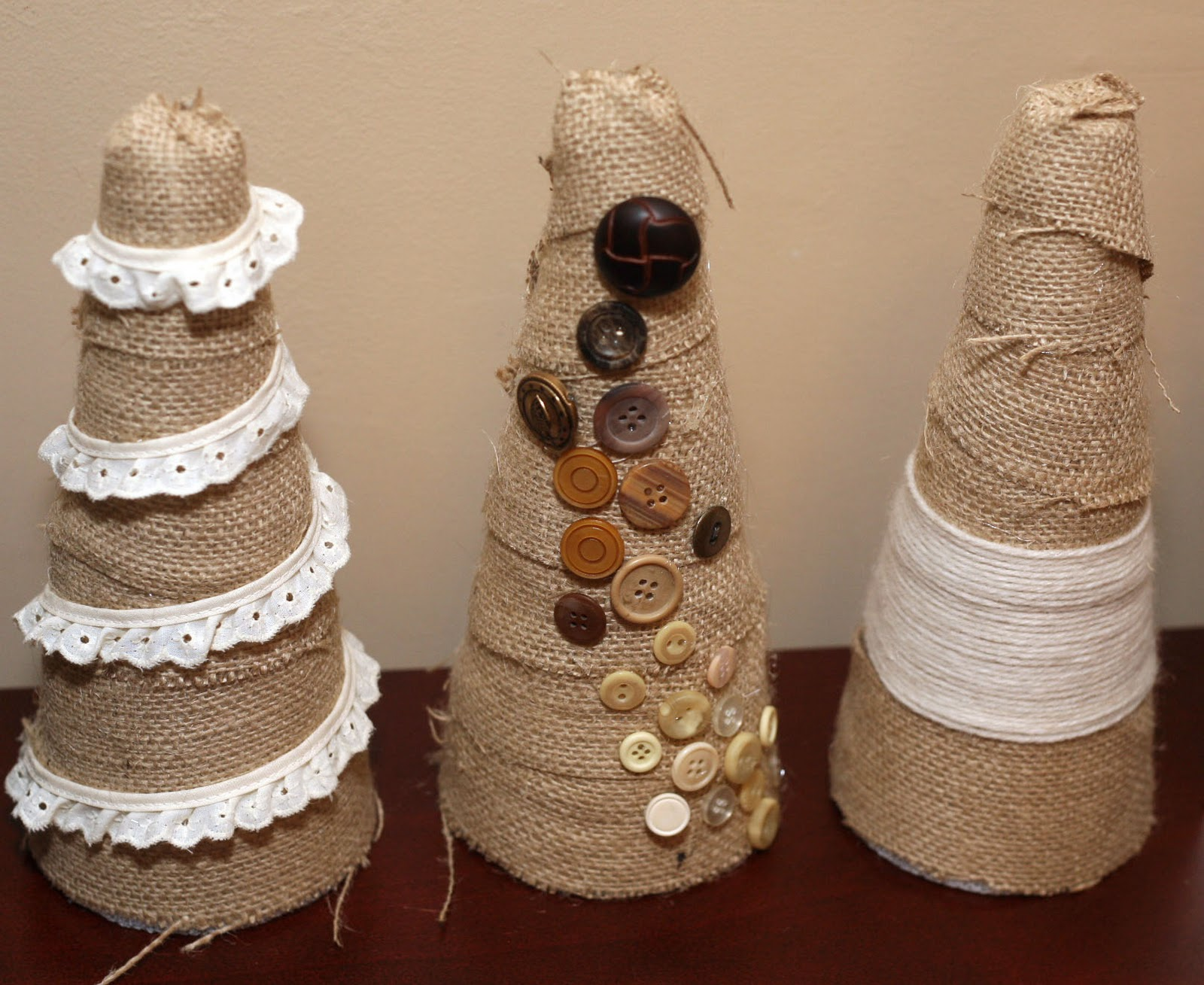 D.I.Y. Louisville: Burlap Christmas Trees