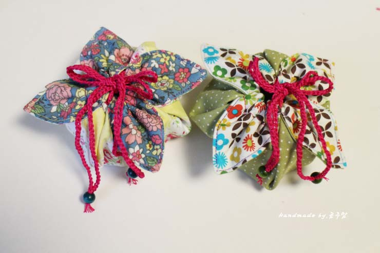 fabric gift pouch tutorial diy tutorial ideas