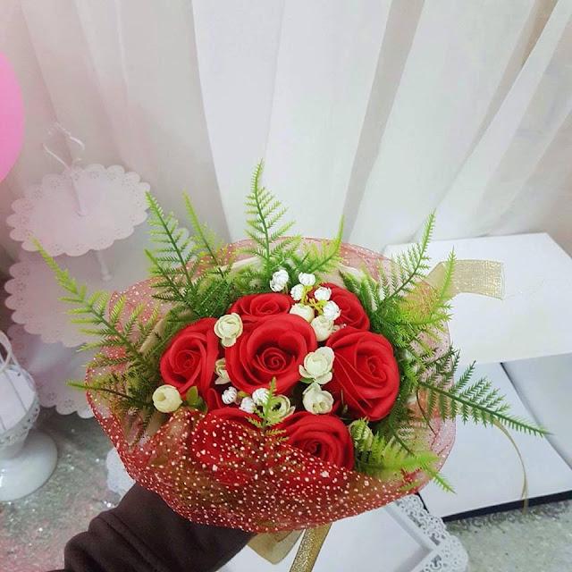 Hoa hong sap thom vinh cuu tai Hang Dong
