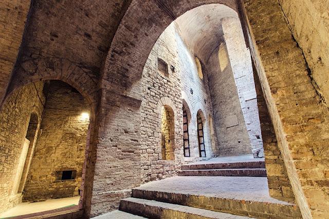 Interior da Rocca Paolina em Perugia