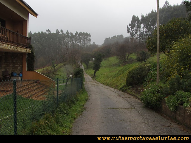 Ruta al techo de Castrillón, Prado Marqués: Saliendo de la parte alta de Moire.