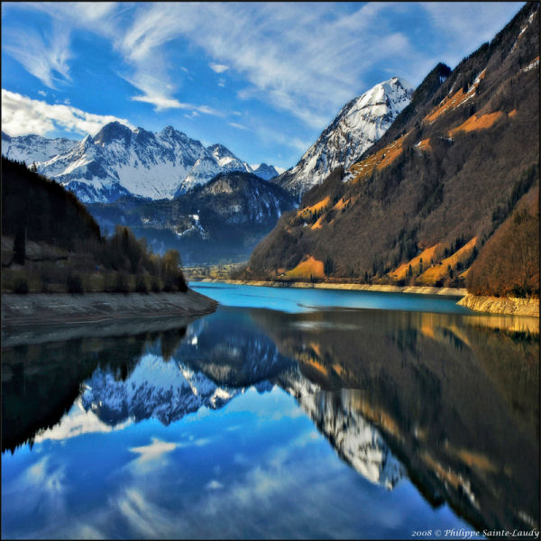 Reflection Photography 30 Stunning Pictures