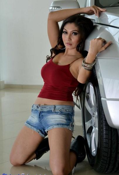 Foto Model-Model Cantik Indonesia Tercantik Baby Margaretha Terbaru Pose Menantang dada mulus