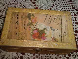 cajas de madera decoradas en diferentes estilos vintage shabby chic rustico pintadas decopatch y demas adornos como puntillas botones