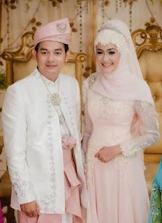 Kreasi baju pengantin muslim modern
