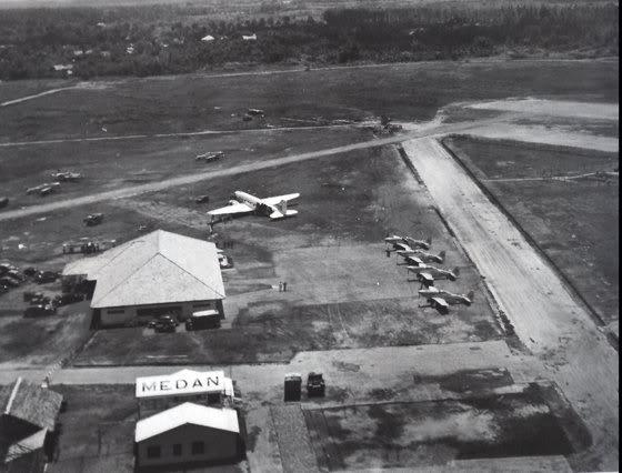 bandara polonia tempo dulu