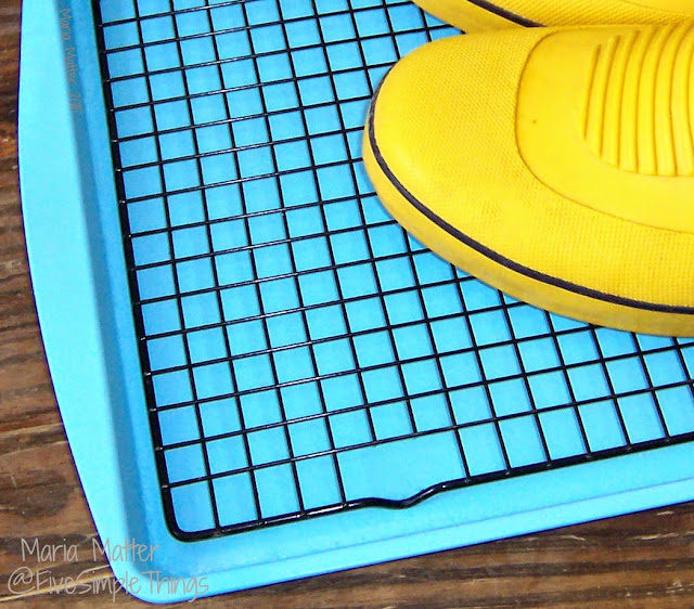 Recycle Cookie Baking Sheets, DIY Boot Drying Rack