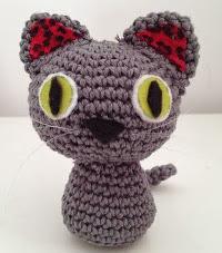 http://www.linlohandmade.com/2013/03/amigurumi-gato-pardo.html