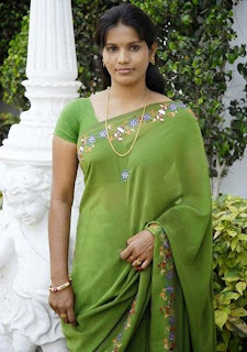 Hot poses of aunties indian saree navel under blouse belly ...