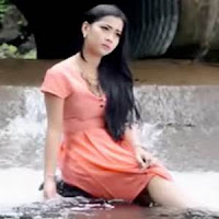 Lirik dan Terjemahan Lagu Thomas Arya & Putri Aline - Bapisah Dek Kandak Rang Tuo