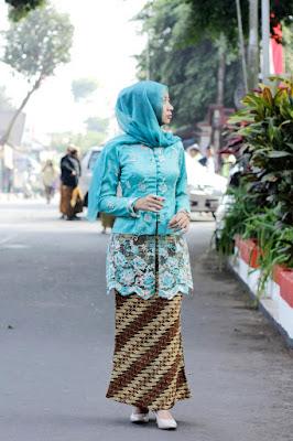 hijab kebaya tradisional