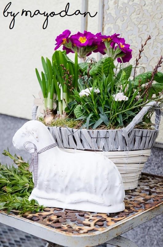 Diy fr hlingsdeko f r die fensterbank und den hauseingang mayodans home garden crafts - Fruhlingsdeko hauseingang ...