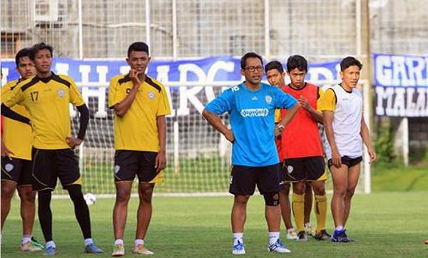 Jelang Semifinal Piala Presiden 2017: Aji Santoso Yakin Arema Mampu Kalahkan Semen Padang