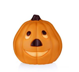 http://www.schokopraline-feinkost.de/Schokolade/Schokofiguren/Halloweenkuerbis-aus-Vollmilchschokolade--orange-50g.html