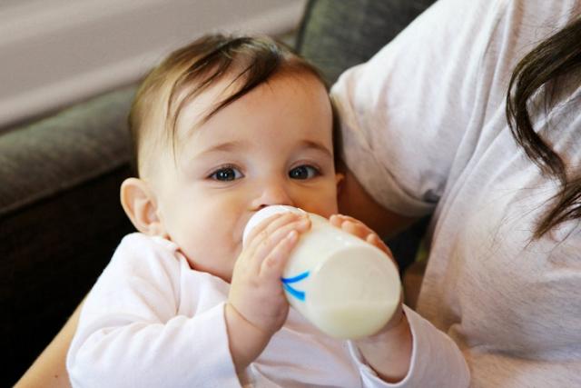 5 thực phẩm cấm dùng sau khi cho trẻ uống sữa
